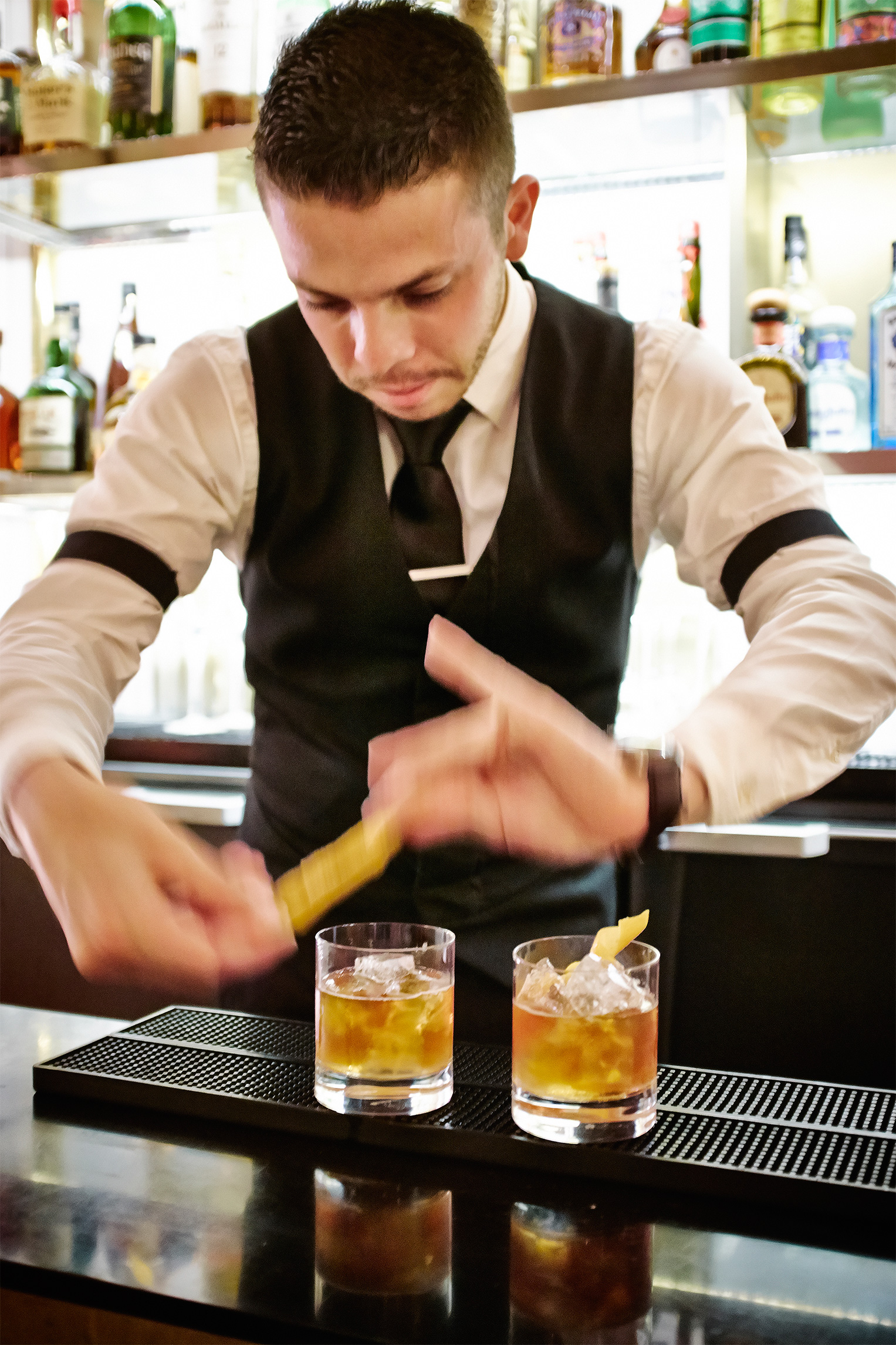 Lyon_Old_Fashioned_Bar_Tender