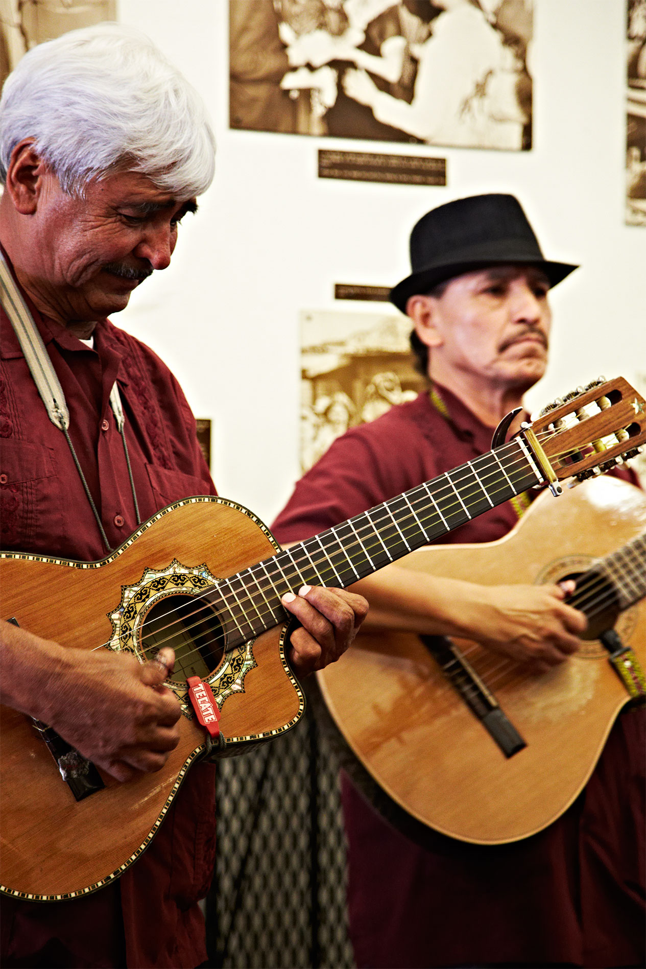 Olvera-Street_Los-Angeles_Guitar-Players_Band_Mexican