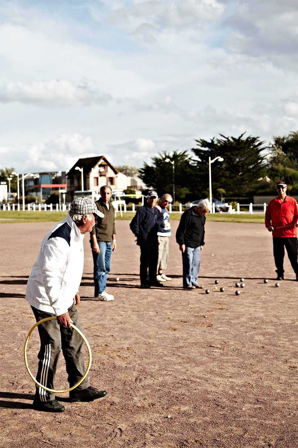 Petonc_Bocce_Normandy_France_Men-playing-bocce