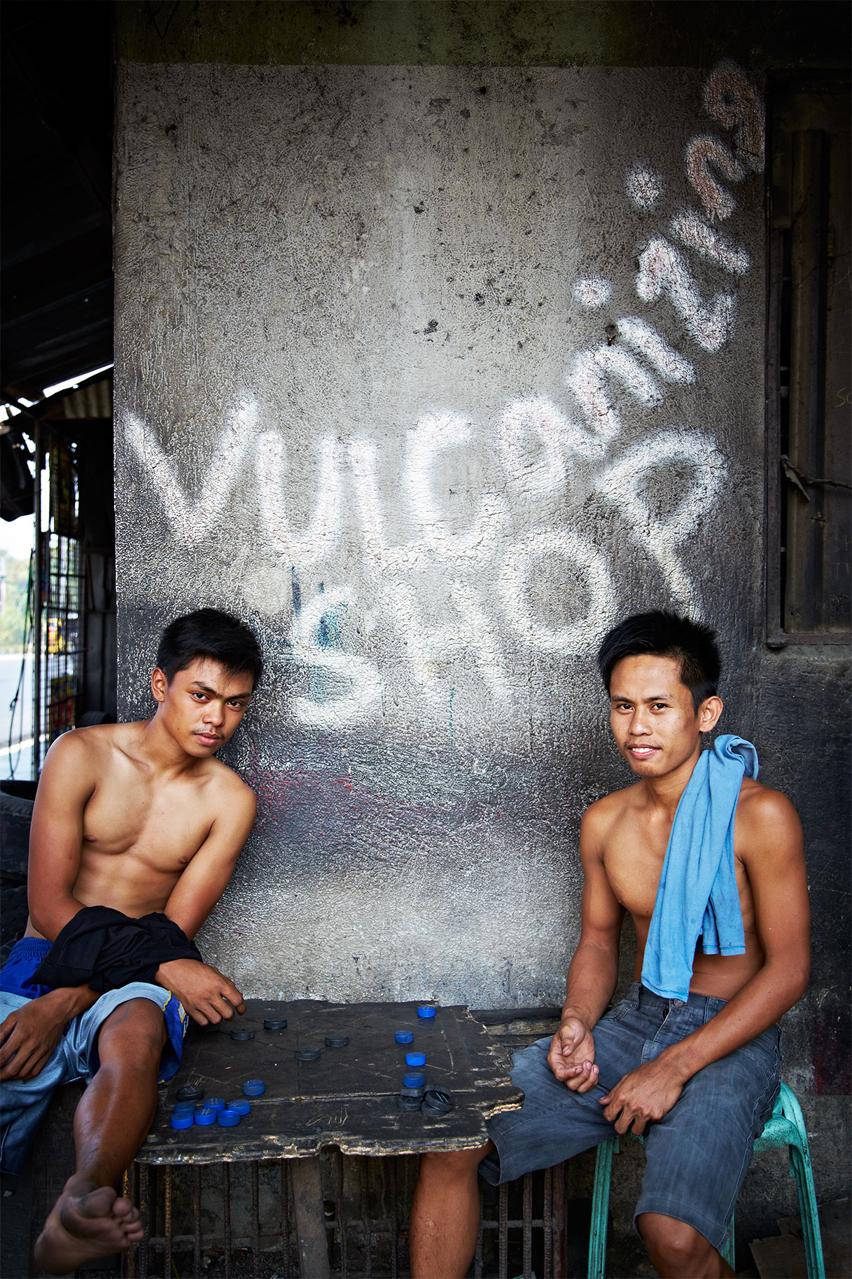 Workers_Checkers_Tire-Shop_Philippines